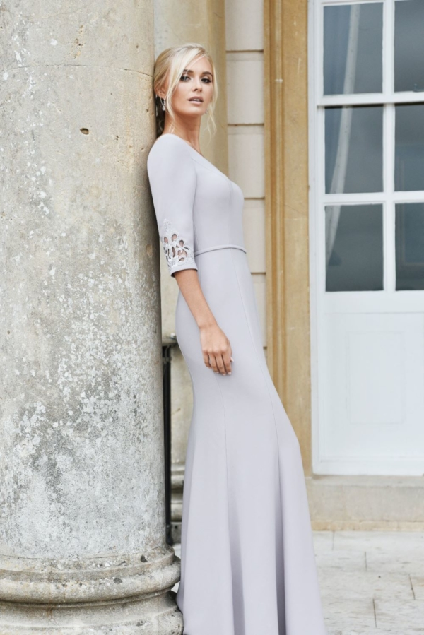Classic crepe with sleeves in Raisin - True Bridesmaid